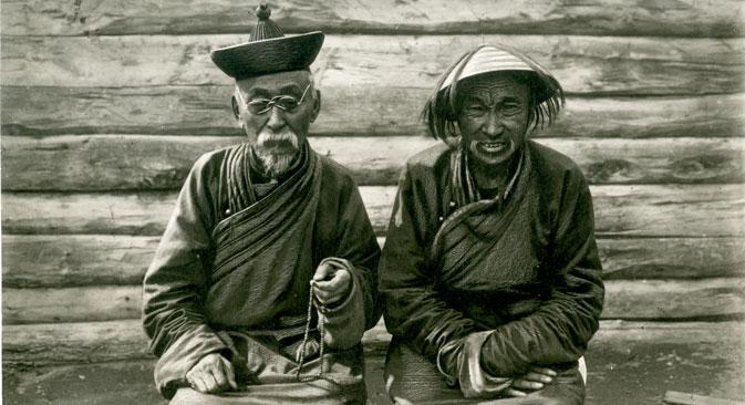 Buddists in Uryankhansky krai (modern Tuva), 1934. Source: Press Photo
