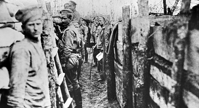 Russian soldiers inside first-line trenches near Panevezis railroad on the Dvina Front. This 1914-1918 photo reproduced by N. Pashin in 1963. Source: RIA Novosti