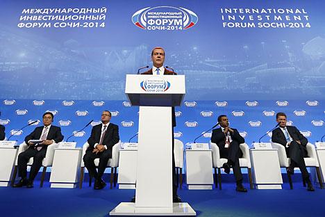 Der russische Ministerpräsident Dmitrij Medwedew während des Investitionsforums in Sotschi. Foto: ITAR-TASS