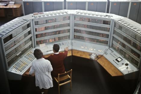 Os sistemas de computadores originais na União Soviética não eram unificados sob um padrão só, inclusive dentro da mesma série Foto: Boris Uchmiákin/RIA Nóvosti