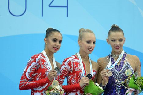 Sharapova tops rating as world's highest paid female athlete