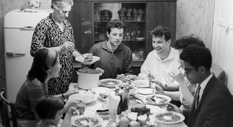 Obiteljska večera, Moskva 1966 Izvor: Selimhanov/Ria Novosti
