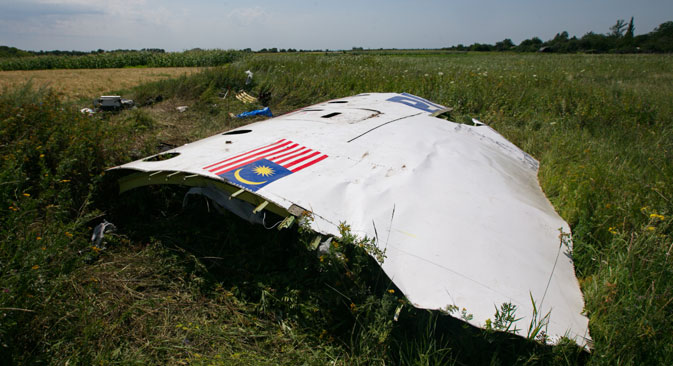 Russian press writes about the preliminary report published by the Dutch Safety Board (DSB) on the Boeing 777 Malaysia Airlines crash. Source: ITAR-TASS