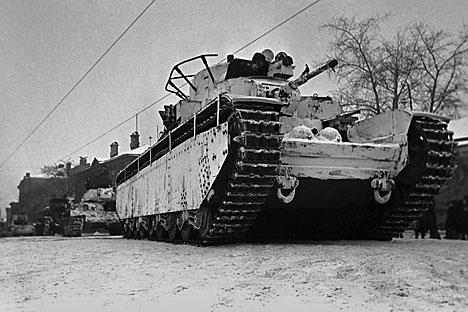 Desatualizado, T-35 terminou seus dias como um mero símbolo do poderio militar da URSS Foto: TASS