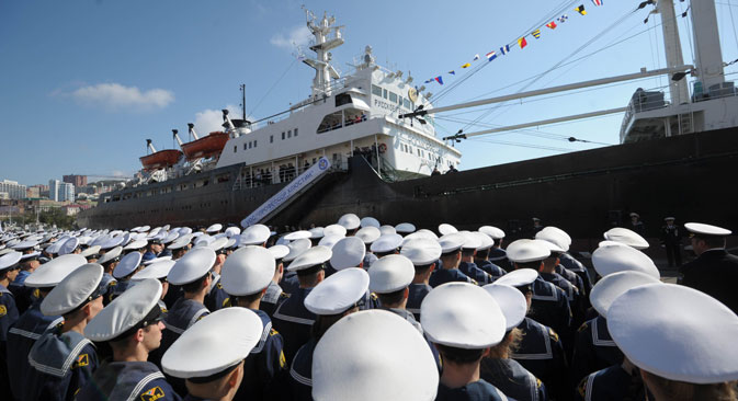 The farewell ceremony for Professor Khlyustin training and research vessel which is departing on a scientific voyage from Vladivostok marine terminal. Source: Alexei Druzhinin / RIA Novosti