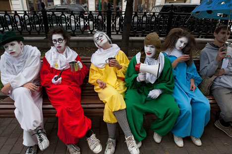 Clowns on the streets of Moscow. Source: Igor Tabakov