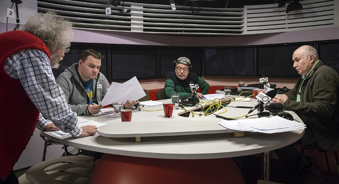 Alexander Plushchev (second from the left) in the Ekho Moskvy studio. Source: TASS