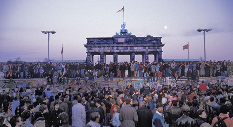 Berlin, 25 years ago. Source: Ullstein bild / Vostockphoto