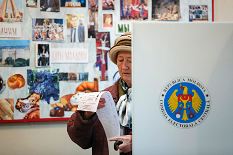Leading Russian media are covering the parliamentary election in the former Soviet republic of Moldova (located between Romania and Ukraine).Source: Reuters