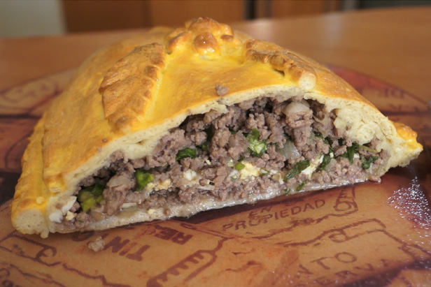 Delicious TV: Kulebyaka, traditional savory pie