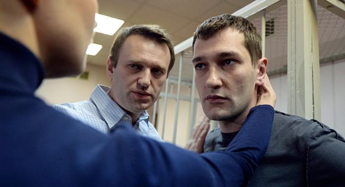 Alexey (left) and Oleg Navalny. Source: AP