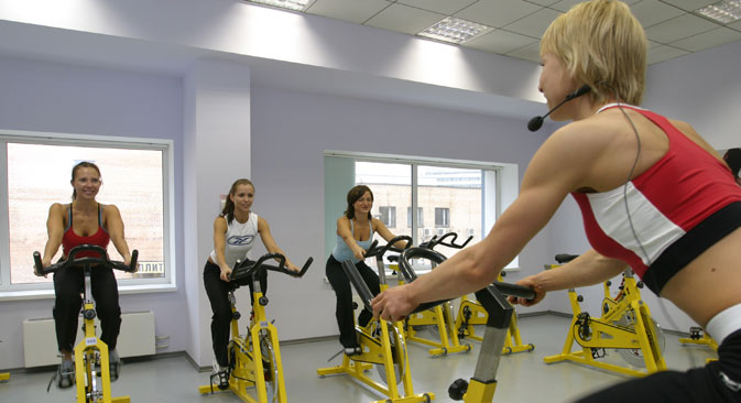Starting 2015, companies can organize their local gyms. Source: Grigory Kalachyan / TASS