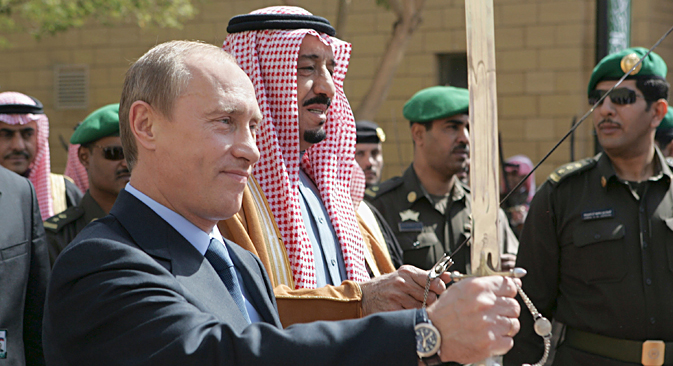 Russian President Vladimir Putin and Prince Salman bin Abdul Aziz, Governor of Riyadh, hold swords on a visit to King Abdul Aziz Historical Centre in Riyadh, 2007. Source: Reuters