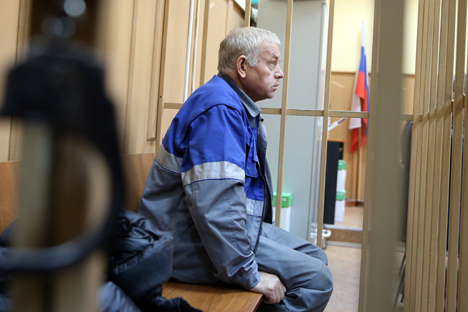 Snowplow driver faces Moscow court.