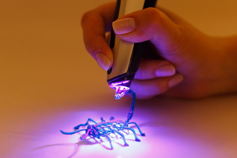 A 3D pen using safe ink is developed in Siberia