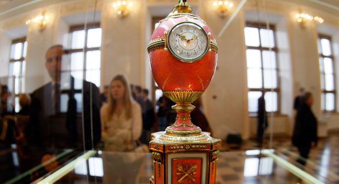 Dieses Ei fertigte Fabergé 1902 zur Verlobung von Baron Edouard de Rothschild. Foto: AP
