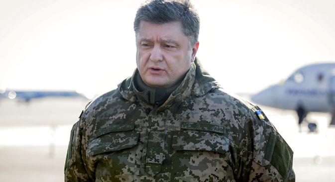 Ukrainian President Petro Poroshenko makes a press statement before his flight to the military operation area. Source: Mikhail Palinchak / RIA Novosti