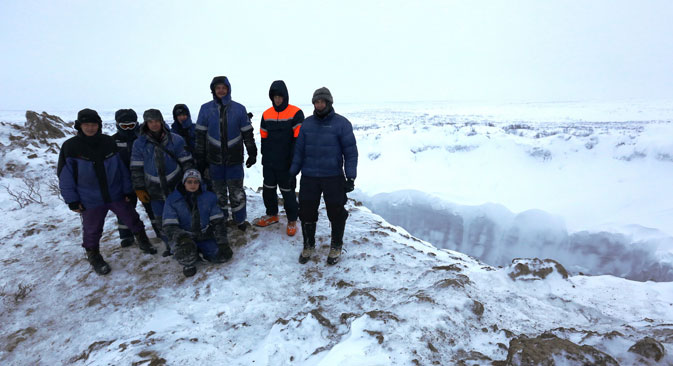 The latest expedition to Yamal crater in early November 2014. Source: Russian Center of Arctic Exploration