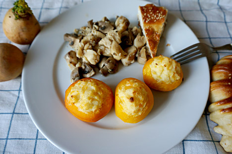 Turnips stuffed with semolina, perch in white wine. Source: Anna Kharzeeva
