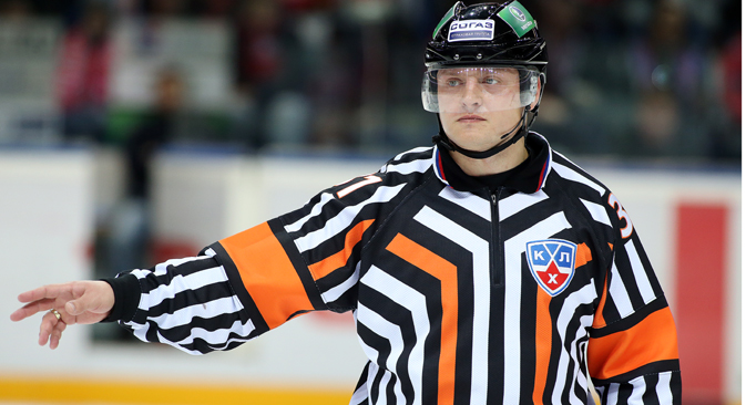 Evgeny Romasko a new regular referee in NHL. Source: Yaroslav Neepov / RIA Novosti