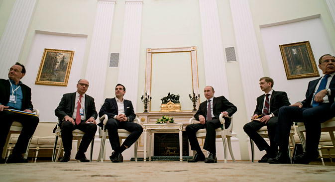 Greek Prime Minister Alexis Tsipras (3rd left) met Russian President Vladimir Putin (3rd right) in Moscow on April 7. Source: Press Photo