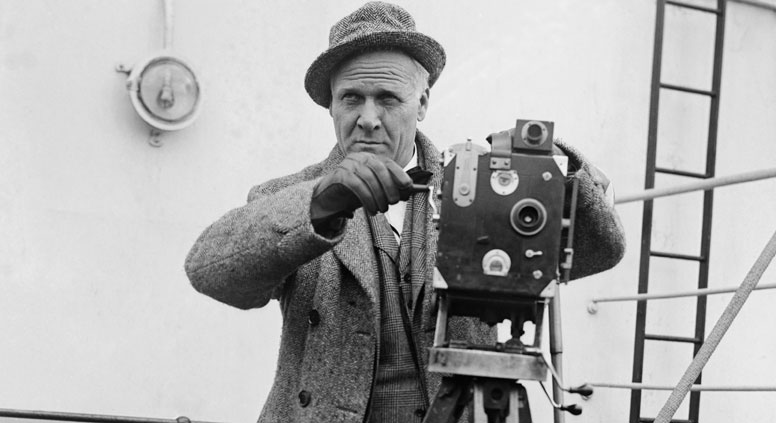 Russian opera singer Feodor Chaliapin aboard a ship with a movie camera, 1929. Source: Getty Images / Fotobank