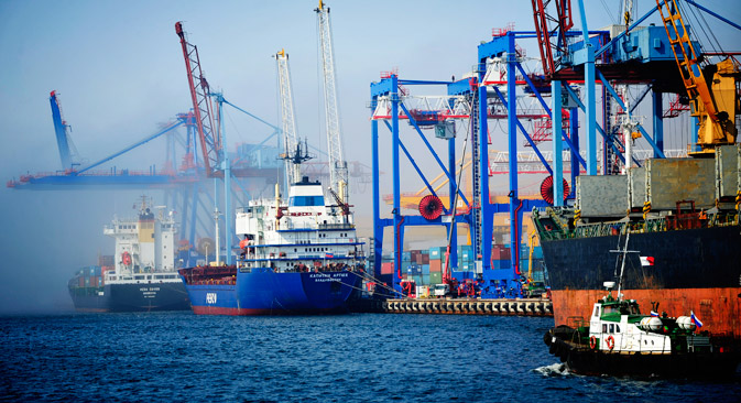 Vladivostok is to receive free port status again. Source: Yuri Smityuk / TASS