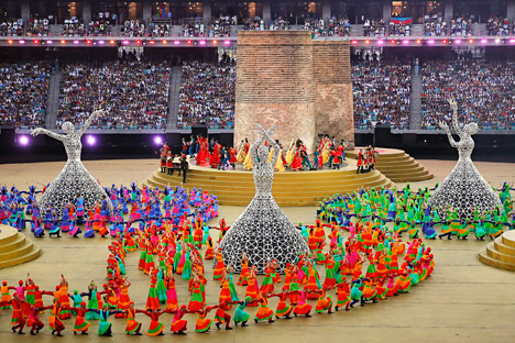 Dancers perform during the closing ceremony of the Baku 2015 European Games at the Baku Olympic Stadium in Baku, Azerbaijan, 28 June. Source: EPA