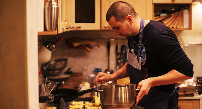 Professional chef Kirill Olkhovsky is an EatWith user. He says that the format of a restaurant does not allow the chef to communicate with the people he cooks for, but EatWith does. Source: Personal archives