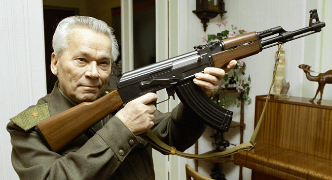 Mikhail Kalashnikov, world famous inventor, with an AK-47 assault rifle, 1997. Source: Vladimir Vyatkin / RIA Novsoti
