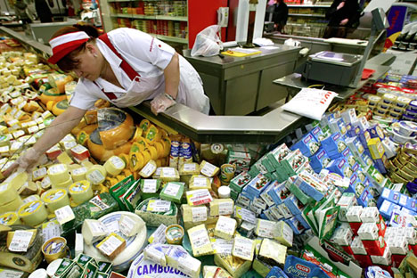 Indian cheese-makers are ready to offer Russians the cheese brands Gouda, Emmental and Cheddar. Source: Igor Chuprin / RIA Novosti
