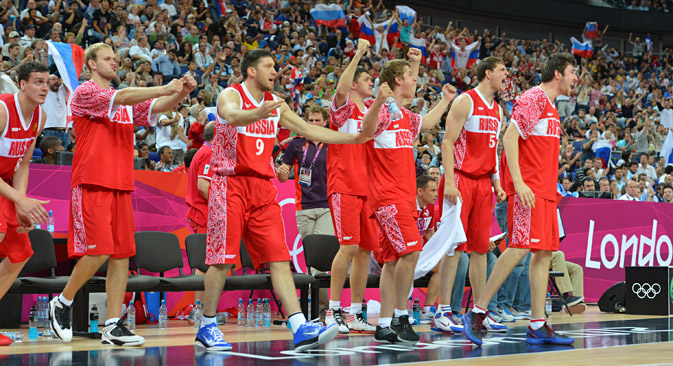 Team Russia celebrates against Argentina during their Men's Bronze Basketball Game, London 2012 Olympic Games, August 12, 2012. Source: Getty Images / Fotobank