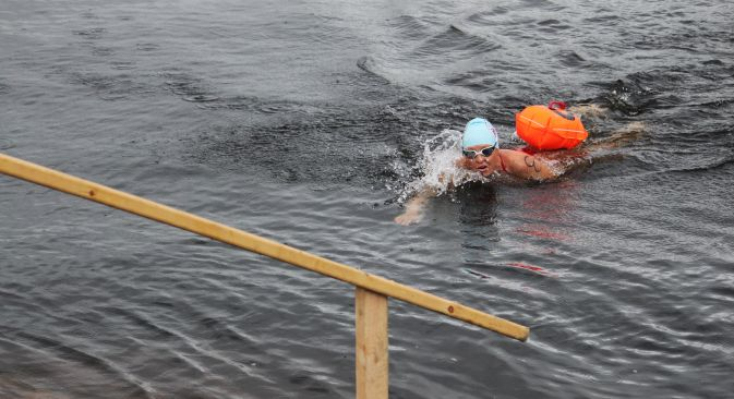 Melissa O'Reilly from New York specializes in swimming in cold water and won the Murmansk Mile in 2013 and in 2015. Source: Narmina Geibatova