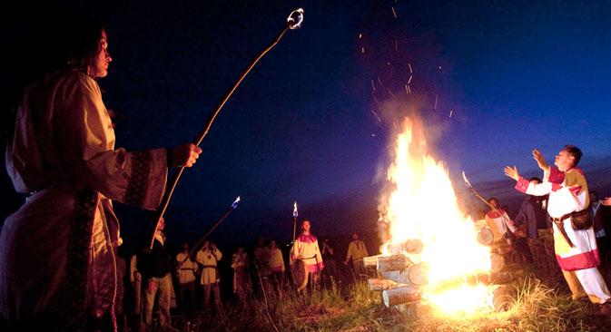 Enthusiasts celebrating the Perun's Day pagan festival at the Gamayunshchina pagan temple in Kaluga, 2009. Source: Iliya Pitalev / RIA Novosti