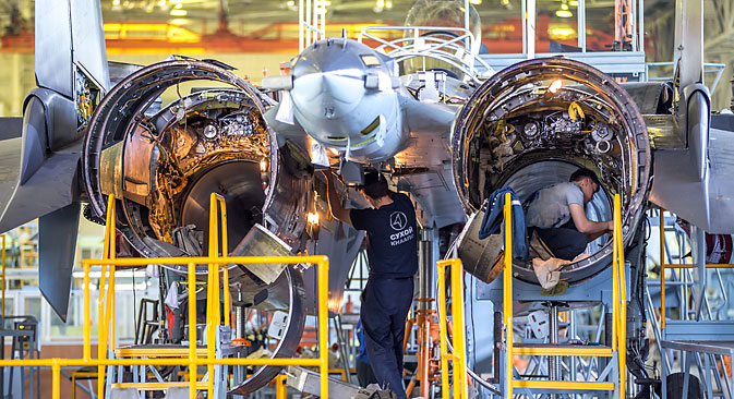 Assembling the Su-35 in the shop at the Komsomolsk-on-Amur aviation plant.