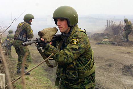 Anti-terror exercise underway in Southern Russia, 2005.