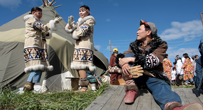 Inhabitants of Chukotka and Alaska may stay in the designated area of the neighboring country for no longer than 90 days. Pictured: Beringiya-2008 festival in Chukotka. Source: Marina Lystseva / TASS