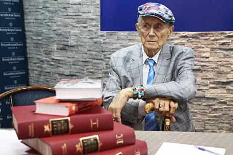 Jevgenij Jevtušenko.
