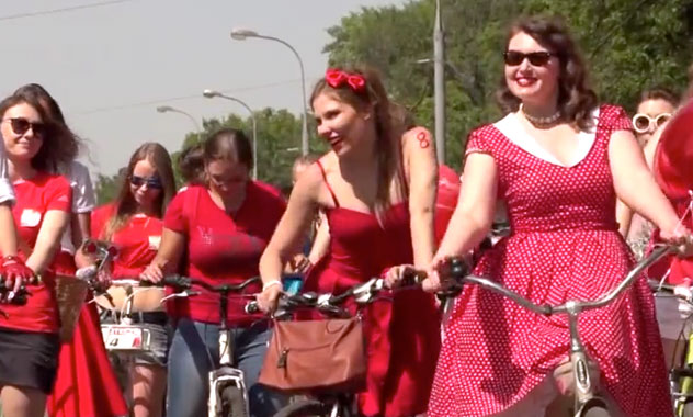 Moscow turning into a bike-friendly city, Saint Petersburg is pursuing