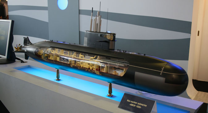 Compared to other non-nuclear submarines, the Amur-1650 is distinguished by its low sound emission and equipment that allows it to detect insignificant sounds emitted by other vessels. Source: Wikipedia.org