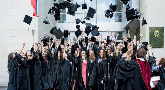 Desinteresse por seguir carreira universitária estimula mobilidade de trabalho no país