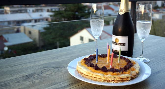 """Pesochny"" cake. Source: Anna Kharzeeva"