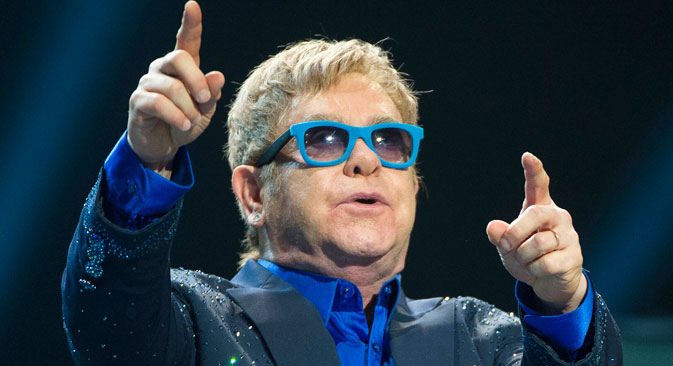 On Sept. 24 the Kremlin announced that Putin did call Elton John. Source: DPA / Vostock photo