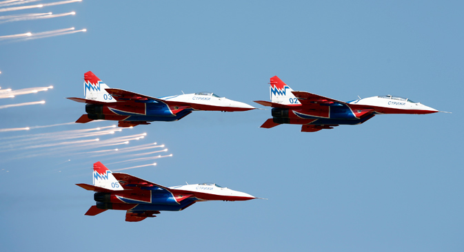 MiG-29 planes of the Strizhi (Swifts) aerobatic team perform during the international air show in Belgrade September 2, 2012. Source: Reuters