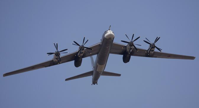 Pesawat pengebom strategis Tu-95MS buatan Rusia.