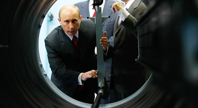 Vladimir Putin visiting the Almaz-Antei Air Defense Concern, July 28, 2008. Source: Aleksey Nikolskyi/RIA Novosti