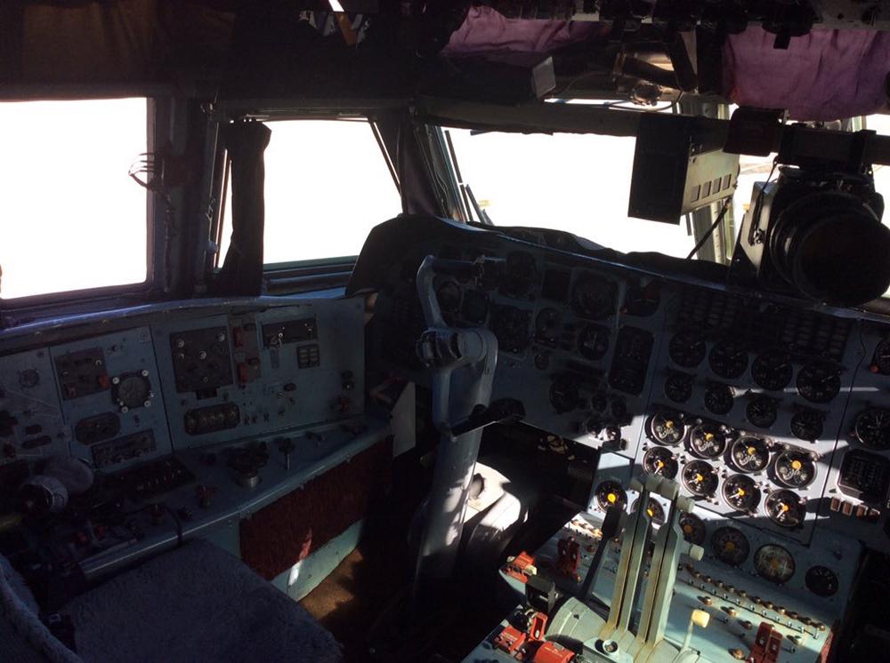 Dentro de la cabina de vuelo de Ilyushin IL-76. Fuente: Francisco Sánchez Urra