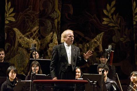 Enrique Arturo Diemecke. Foto de Ana Nóvikova