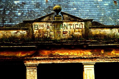 Fachada del Hotel Atlántico. Fuente: Walter Barús.