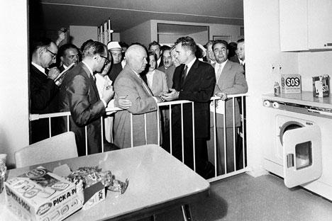 Nixon y Krushev en 1959. Fuente: AP.